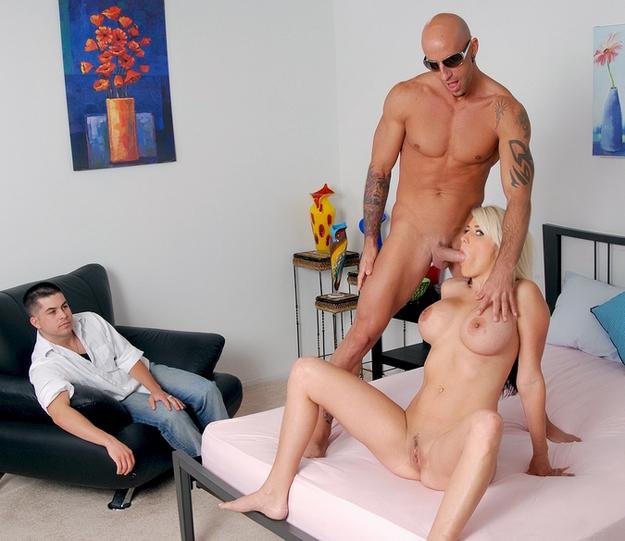 Порно Жена Изменила Муженьку С Лысым Другом